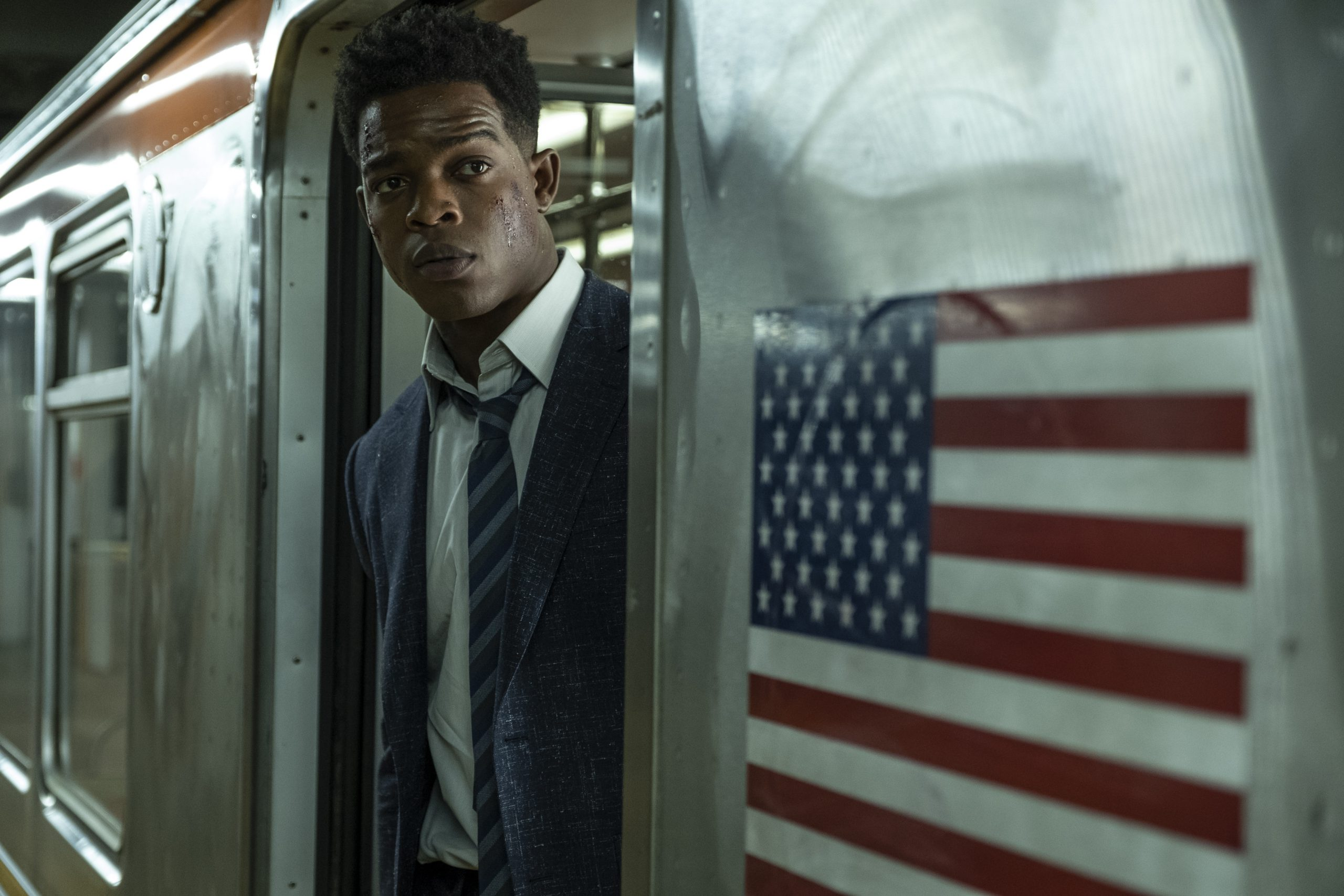 Stephan James stars in 21 Bridges