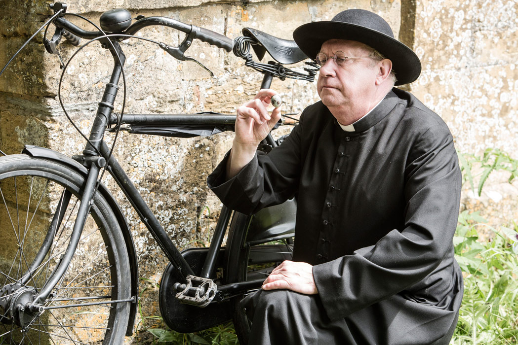 Father Brown (Mark Williams) and his Pashley bike