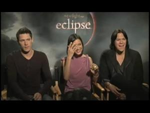 alex-meraz-chaske-spencer-and-julia-jones-the-twilight-saga-eclipse Video Thumbnail