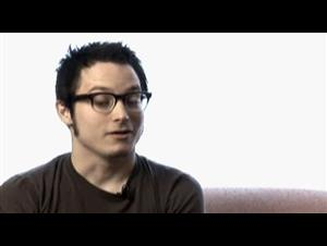 ELIJAH WOOD - EVERYTHING IS ILLUMINATED Interview Video Thumbnail