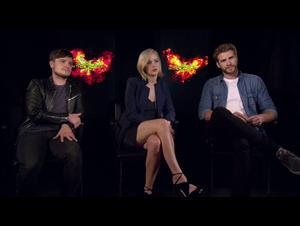 jennifer-lawrence-josh-hutcherson-liam-hemsworth-the-hunger-games-mockingjay-part-2 Video Thumbnail