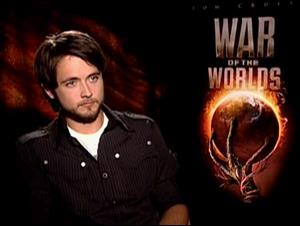 JUSTIN CHATWIN - WAR OF THE WORLDS Interview Video Thumbnail