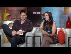 robbie-amell-mae-whitman-the-duff Video Thumbnail