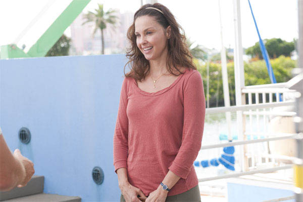 Dolphin Tale Photo 21 - Large