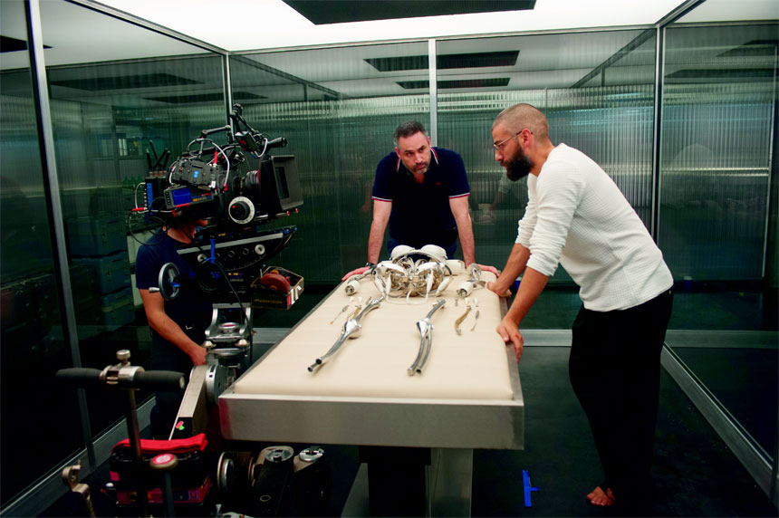 Ex Machina Photo 6 - Large